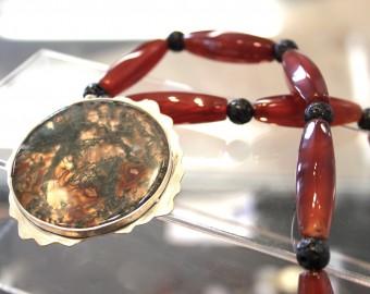 Zilveren collier met mosagaat